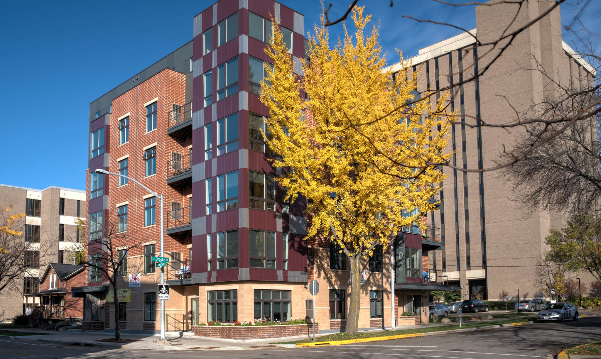 Brooks House Apartments | Downtown Madison